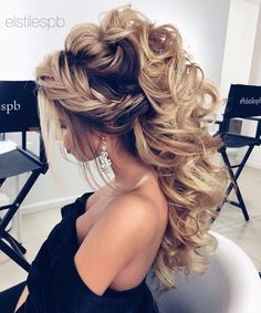 Formal Hairstyles Beautiful crown braid and half up wedding hairstyle Ideaswedding hairstyles bridal hair hair ideas.Formal Hairstyles Beautiful crown braid and half up wedding hairstyle Ideaswedding hairstyles bridal hair hair ideas Prom Hair Down, Half Up Wedding Hair, Wedding Hairstyles For Long Hair, Wedding Hair And Makeup, Formal Hairstyles, Up Hairstyles, Pretty Hairstyles, Hair Makeup, Hairstyle Ideas
