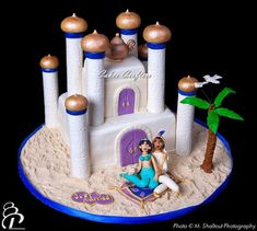 Another version of Aladdin castle cake. this time with Jasmin and Aladdin as a newly married couple :) Aladdin Birthday Party, Aladdin Party, Birthday Cake, Princess Jasmine Party, Princess Cakes, Disney Princess, Aladdin Wedding, Wedding Disney, Aladdin Cake