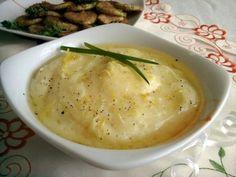 Скордалия (греческий соус)..... Картофель — 4 шт. 2. Чеснок (зубчики) — 2 шт. 3. Смесь перцев меленая — по вкусу 4. Масло оливковое — 50 мл 5. Соль — по вкусу 6. Винный уксус — 10 мл