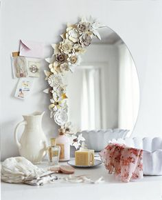 paper flowers on mirror at Marie Claire Idées. should do something like this to my bedroom vanity mirror. Flower Mirror, Flower Frame, Fake Flowers, Diy Flowers, Fabric Flowers, Flower Diy, White Flowers, Flower Food, Flower Bouquets