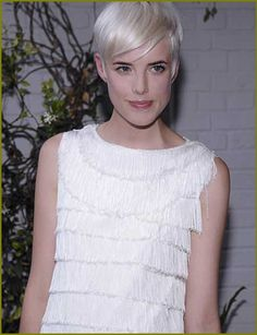 Here are some best 35 examples of short blonde haircuts of 2013 which may be helpful for you to change your hairstyle and to look more beautiful. Short Blonde Haircuts, Short Hair Cuts, Short Hair Styles, Agnes Deyn, Supermodels, Hairstyle Ideas, Hairstyles, Hair Color, James Dean
