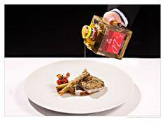 Zander mit Kapernkruste, knuspriger Jungzwiebel & Paradeiser & Veronelli Olivenöl Numero Uno von Comincioli