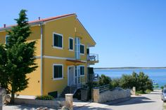 Apartmány Žuta, Mandre, ostrov Pag, Chorvatsko: https://www.novalja.cz/chorvatsko/letoviska/letovisko-ostrov-pag-mandre/apartmany-zuta/