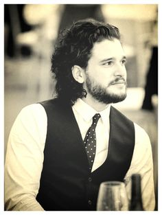 Congrats on getting engaged Kit Harington! Kit Harrington, Winter Is Here, Winter Is Coming, Tony Hart, Kit And Emilia, Gorgeous Men, Beautiful People, John Snow, King In The North