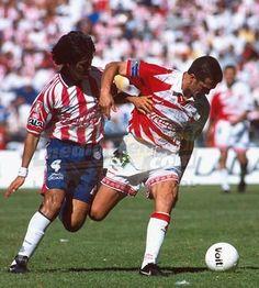 Carlos Hermosillo que en gran jugada personal cediera el balón a Sergio Vazquez para el segundo y mortal gol del Necaxa sobre Chivas Rayadas.