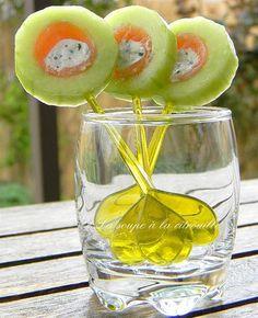 Sucettes de concombre au saumon fumé et Fourme d'Ambert => Rigolo pour l'été