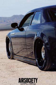 ◆ Visit ~ MACHINE Shop Café ◆ (Dead or Alive - Halo Super Cars Murdered Chrysler 300S Coupé)