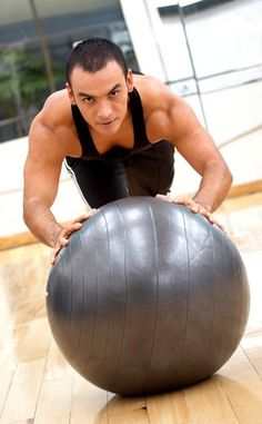 Man Push up Fitness Ball Up Fitness, Physical Fitness, Fitness Tips, Elite Fitness, Pilates Training, Pilates Workout, Pilates Fitness, Body Workouts, Stability Ball Exercises