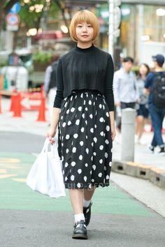 Flared Skirt  /  COMME des GARÇONS Strap Shoes  /  Dr.Martens