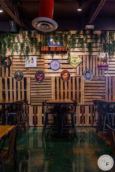 African Interior Design, Bar Interior Design, Restaurant Interior Design, Restaurant Plan, Rustic Restaurant, Rustic Outdoor Bar, Palette Wall, Pub Design, Backyard Garden Design