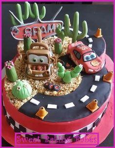 A cake full of Cars Beautiful Cakes, Amazing Cakes, Cakes For Boys, Boy Cakes, Novelty Cakes, Car Tuning, Cupcake Cakes, Cupcakes, How To Make Cake