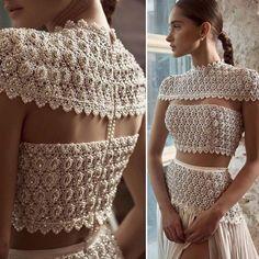 Crochet blouse off wbite Lehenga Designs, Saree Blouse Designs, Paris Chic, Indian Dresses, Indian Outfits, Couture Dresses, Fashion Dresses, Fancy Blouse Designs, Mode Inspiration