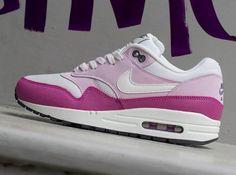 sale retailer 9afb2 8260b Nike Wmns Air Max 1 Essential