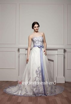 Luxurious Sweetheart Applique Sequined Wedding Dress