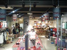 Reebok Classic store in Russia. Store was space planned by TRC. #reebok #retaildisplay #retail #vm #visualmerchandising