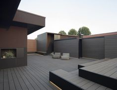 Modern penthouse apartment located in Bassano del Grappa, Italy, designed in 2017 by Didone Comacchio Architects. Small Courtyard Gardens, Small Courtyards, Backyard Garden Design, Patio Design, Abs Pictures, Penthouse Apartment, Wooden Decks, My Dream Home, Garden Inspiration