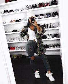 Swag, new generation phrases fashionable image or approach. Need to outfit such as a swaggy? Chill Outfits, Swag Outfits, Mode Outfits, Trendy Outfits, Summer Outfits, Fall College Outfits, Look Fashion, Teen Fashion, Autumn Fashion