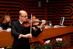 L'introduzione musicale del Maestro De Lorenzi