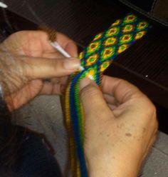 Fajón #asonia #ply-split braiding Crochet Stitches, Knit Crochet, Lucet, Tapestry Crochet, Loom Weaving, Macrame, Braids, Sewing, Knitting