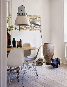 the home of danish designer brigitte rabens by the style files, Charles Eames chairs.Like the ones we have at Retropia Interior Design Inspiration, Home Interior Design, Interior Decorating, Interior Ideas, Modern Interior, Decorating Ideas, House Design Photos, Piece A Vivre, Eames Chairs