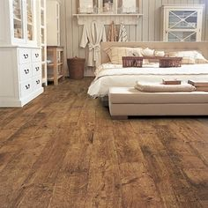 Quickstep Antique Oak effect Eligna Laminate Flooring