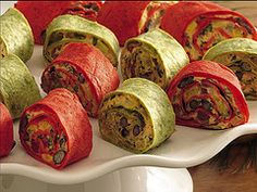 Mexican Vegetable Roll-Ups Roll fresh veggies up with a creamy filling in a make-ahead appetizer that gets a kick from taco seasoning. Cold Appetizers, Appetizers For Party, Appetizer Recipes, Mexican Appetizers, Party Snacks, Wedding Snacks, Popular Appetizers, Dinner Recipes, Cheese Appetizers