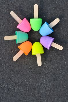 Mix up a batch of homemade sidewalk chalk - great DIY!