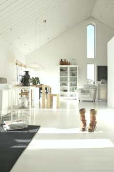 Beautiful home with white concrete floors Painted Concrete Floors, Painting Concrete, White Concrete, Polished Concrete, Stained Concrete, Plywood Floors, Concrete Lamp, Laminate Flooring, White Wood