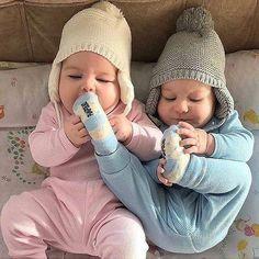 رمزيات مواليد رمزيات كتابيه رمزيات انستقرام بنات رمزيات انستقرام حب رمزيات انستا رمزيات شباب رمزيات بنات رمزيات حب صو In 2020 Baby Fashion Cute Baby Boy Cute Baby Girl