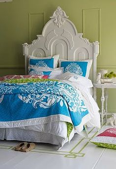 Lilly Pulitzer bedding. I love that bed.
