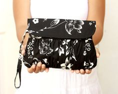 Wedding Clutch Black and White Bridesmaid gift pleated by Oyeta, $23.00