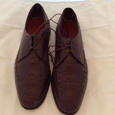 Men's dress shoes Wing Tips Allen Edmonds textured leather size 9.5 D  EUC #AllenEdmonds #WingTip