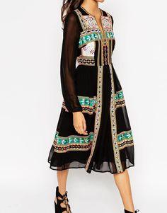 Imagen 3 de Vestido folk a media pierna con bordado de efecto espejo Premium de ASOS TALL