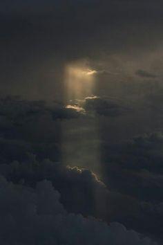 Un trou dans les nuages