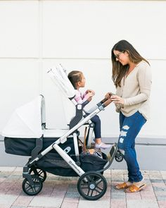 Sharing my thoughts on the 2018 UPPAbaby VISTA stroller and why I love it so much! Baby Girl Strollers, Double Baby Strollers, Double Stroller Reviews, Toddler Stroller, Best Double Stroller, Baby Prams, Uppababy Vista Double Stroller, Uppababy Stroller, Stroller Strides