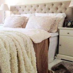 Cozy textures in the bedroom