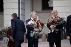 New Norwegian prime minister Jonas Gahr Støre and his coalition partner Trygve Slagsvold Vedum. Norway News, Norwegian People, Bridesmaid Dresses, Wedding Dresses, Bridesmade Dresses, Bride Dresses, Bridal Gowns, Wedding Dressses