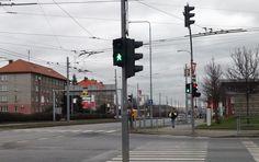 Chodci ignorují červenou na semaforu, ukázala dopravní akce policistů v Plzni