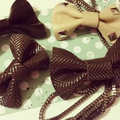 Leather hair bows #etsy #ticklefacylane #leathercrafts #leatherhairbow #leatheraccessories