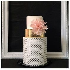 Pink dahlia and gold wedding cake. Not in need of a wedding cake, but this is gorgeous!