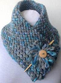 Knitting loom patterns scarf projects Ideas for 2019 Crochet Neck Warmer, Knit Or Crochet, Crochet Shawl, Crochet Crafts, Crochet Projects, Flower Crochet, Diy Crafts, Knitted Shawls, Crochet Scarves