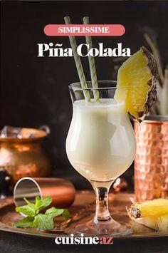 La piña colada est un cocktail alcoolisé à base de lait de coco et de jus d'ananas. #recette#cuisine#cocktail#laitdecoco #ananas #boisson #aperitif #apero Pina Colada, Liqueur, Hurricane Glass, Cocktails, Tableware, Rum Bottle, Pineapple Juice, Condensed Milk, Drink