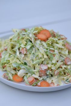 Varhaiskaalicoleslaw Finnish Recipes, Coleslaw, Food Inspiration, Cabbage, Salads, Food And Drink, Keto, Vegetables, Ethnic Recipes