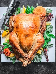 This holiday, why not impress all your family and friends by making Lisa Dawn Bolton's delicious Citrus Dry-Brined Turkey! Wing Recipes, Meat Recipes, Recipies, Cooking Recipes, Thanksgiving Appetizers, Thanksgiving Recipes, Holiday Recipes, Turkey Brine, Roasted Turkey
