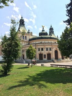 """See 42 photos and 4 tips from 845 visitors to Spišská Nová Ves. """"Beautiful very old Town. Check the main church and they even have a zoo. Nova, Viera, Old Town, Four Square, Maine, Mansions, House Styles, Tips, Beautiful"""