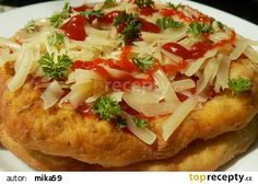 Langoše z cukety recept - TopRecepty.cz Low Carb Recipes, Vegan Recipes, Cooking Recipes, Snack Recipes, Czech Recipes, Ethnic Recipes, Healthy Diet Snacks, Pizza Appetizers, Italian Dishes
