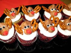 With only a week left until Christmas, here are eight little reindeer to keep you in the holiday spirit! Salty and sweet, I love the touch of the pretzels on top. These all look like Rudolph's to me.