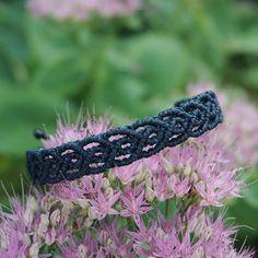 simplicity. #Makramee #Armband #petrol #bracelet #macrame #macramelove #macramejewelry #makrameeschmuck #schmuck #handmade #handicraft #handgemacht #handmadejewelry #kunsthandwerk #blume #micromacrame #sonyalpha6000 #sonya6000 #etsy #rosa #green #rose #flower #makro #potd #berlin #berlinfashion #madewithlove #madeinberlin #closeup