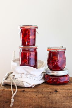 Cranberry Quince Conserve and a break - Simple Bites Goji Berry Recipes, Cranberry Recipes, Cranberry Sauce, Plum Butter, Strawberry Rhubarb Jam, Pear Jam, Spiced Pear, Vegan Gifts, Stone Fruit