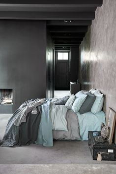 Een nieuw seizoen, een nieuwe slaapkamer Vandyck (1923) presenteert dit najaar drie nieuwe collecties bedlinnen voor de koudere herfst- en wintermaanden.